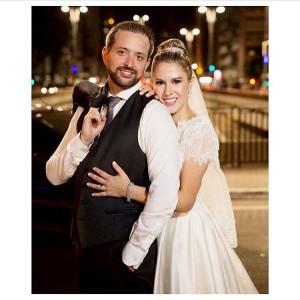 Camila Nossa noiva Deusa e clssica com seu vestido noivanasnuvenshellip