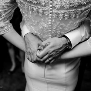 Detalhes Mariana Roth com bolero inteirinho bordado e saia emhellip